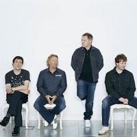 New Order städar upp efter senaste albumet