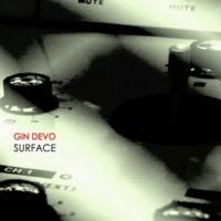 Vomito Negro-frontmannen Gin Devo på ytan