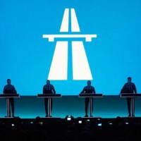 Kraftwerk dubbelt upp i Stockholm